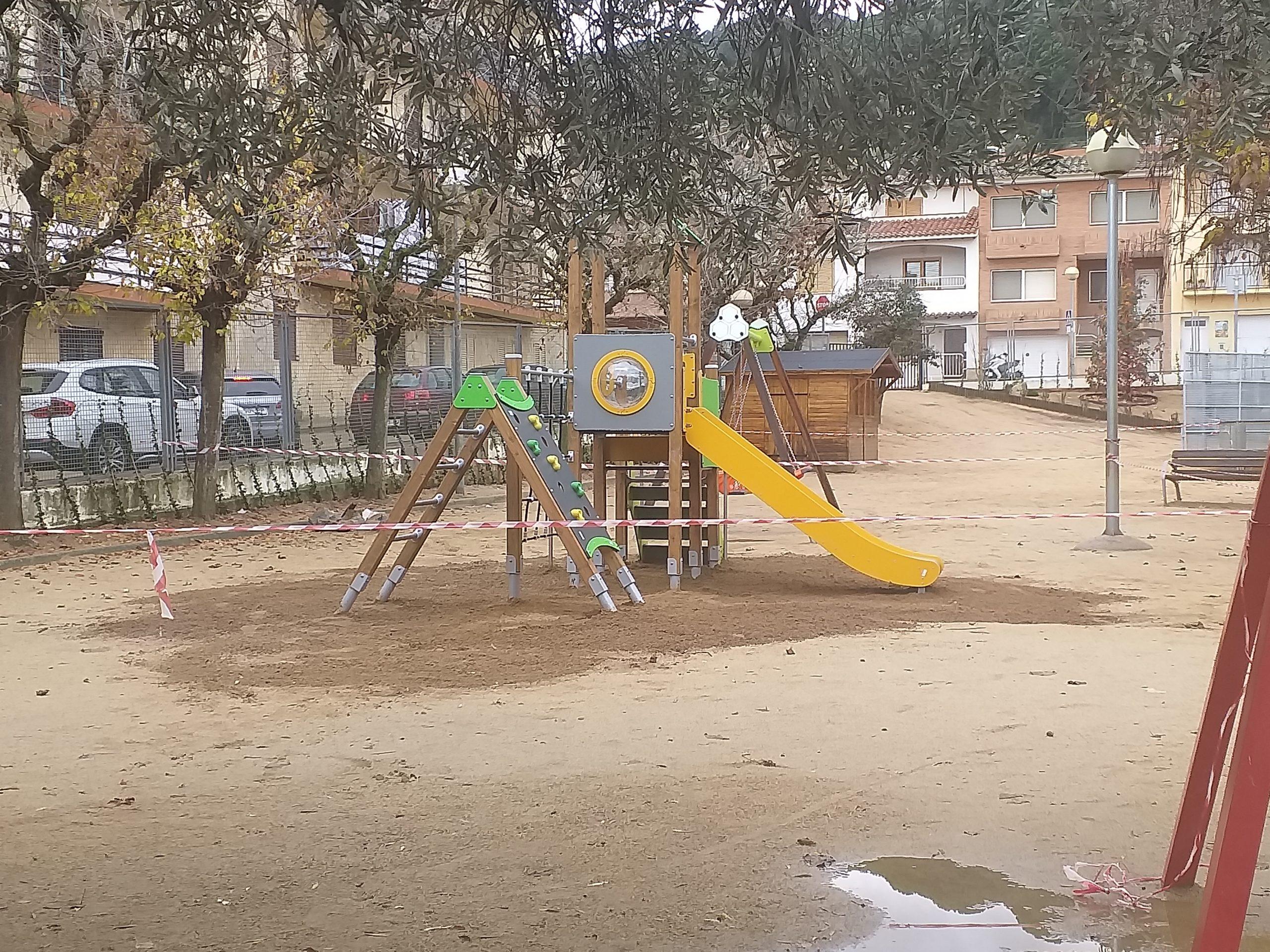 Les obres de la plaça de Can Borrell i les obres de la pista municipal segueixen a bon ritme