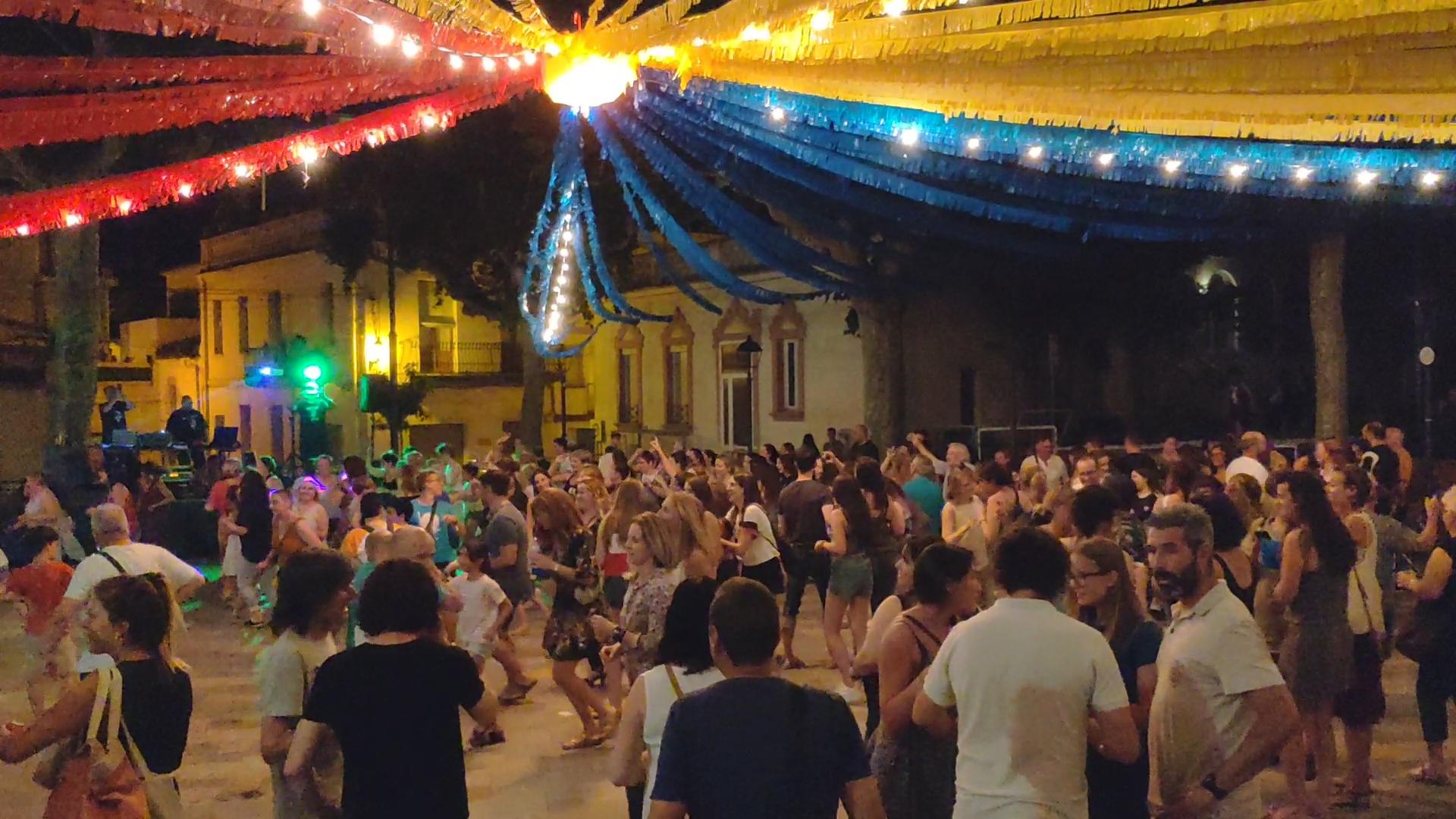 La Breda de Plaça organitza per dissabte un espectacle de titelles i un sopar de recapte amb música