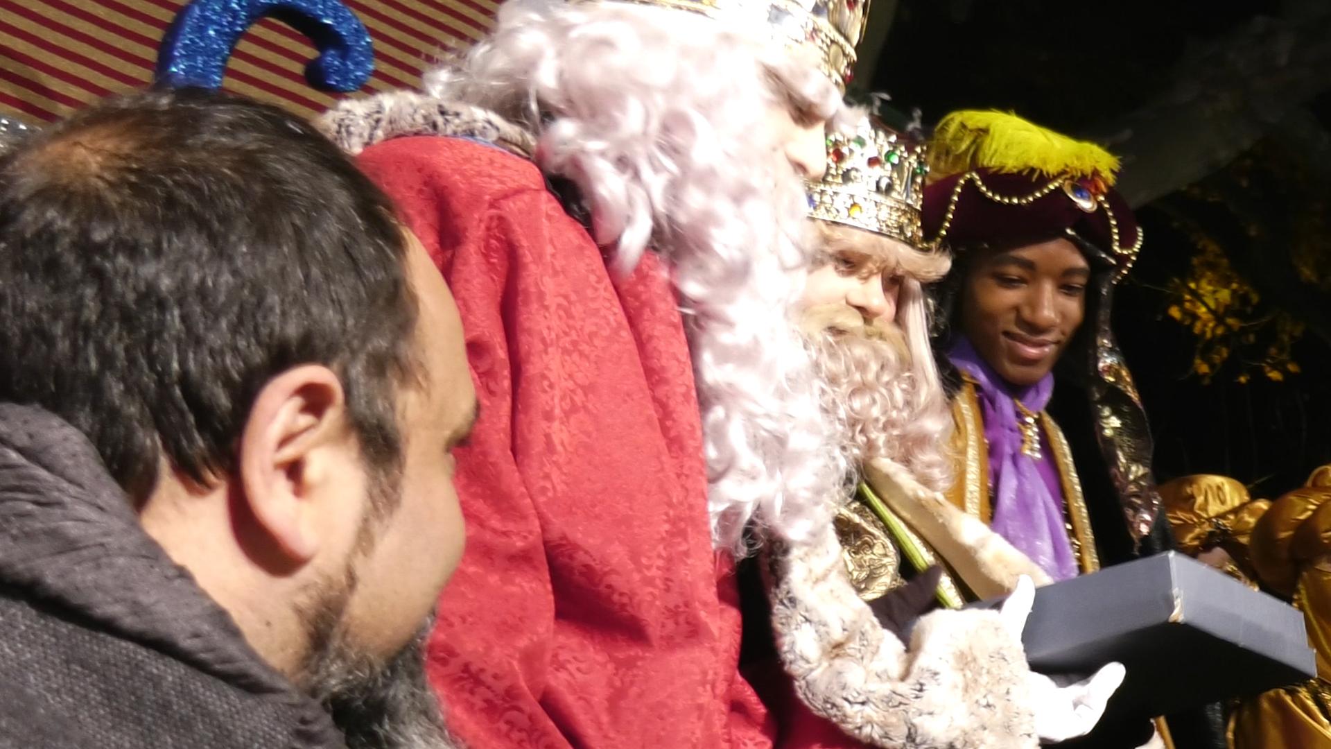 NOU REPORTATGE: Els Reis Mags tornen a passejar la seva màgia per Arenys de Munt!