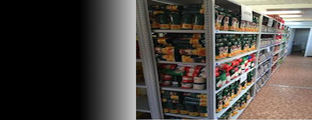 Els voluntaris de Càritas s'han pogut incorporar de nou a la tasca de repartiment d'aliments