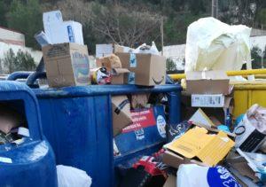 L'Ajuntament planteja retirar els contenidors del Bellsolell pel mal ús que se'n fa