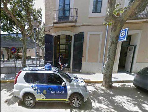 La Policia Local actua en un cas de violència dins una llar del municipi, i ajuda a una veïna que havia caigut dins de casa