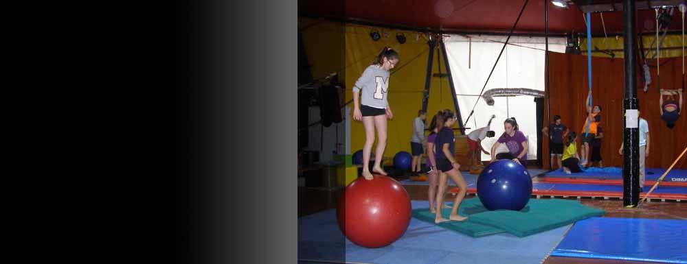 Dissabte tarda hi ha taller de circ
