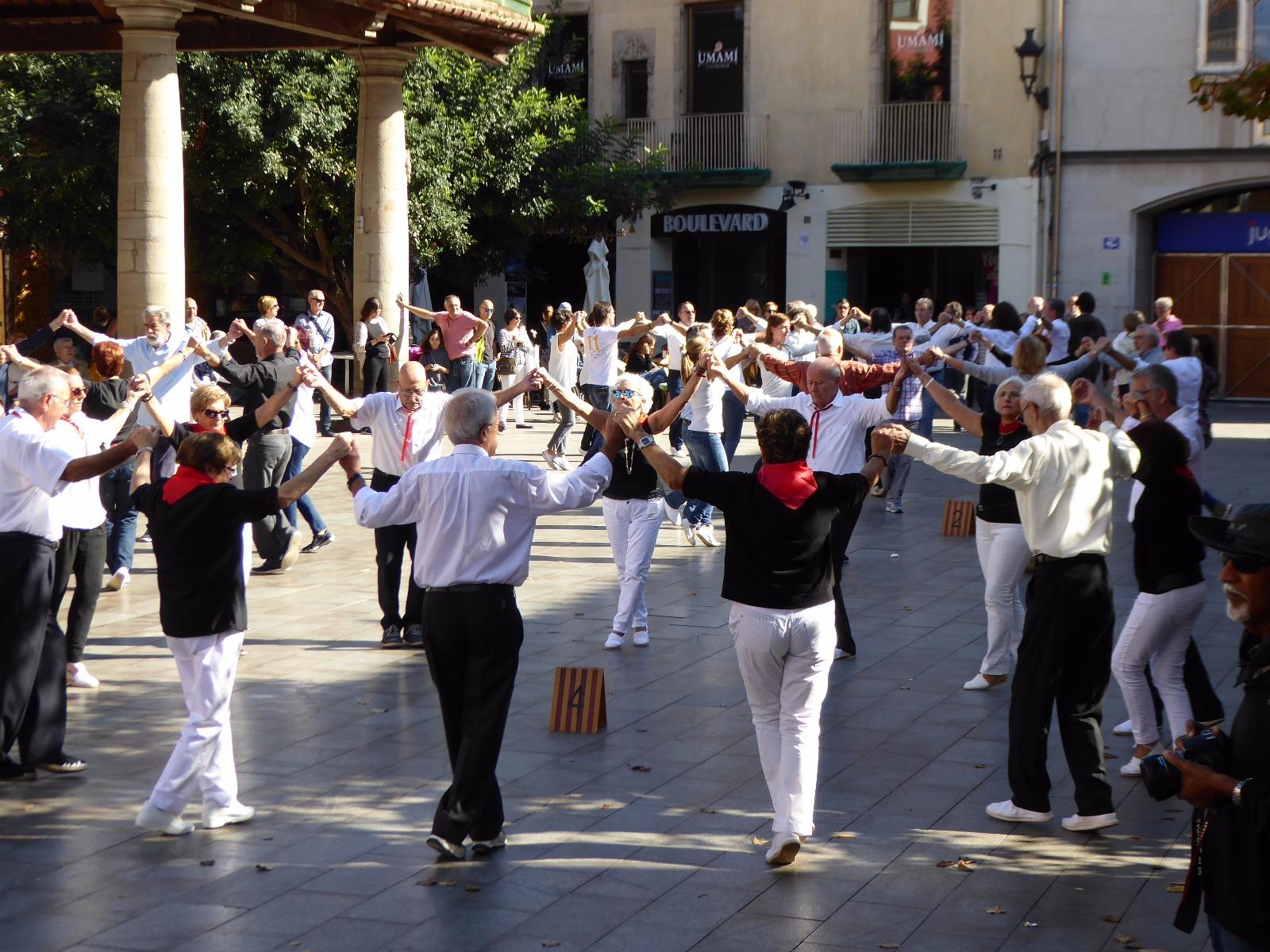 Aquest diumenge es celebrarà l'última ballada de les sardanes d'estiu que organitzen l'Agrupació sardanista